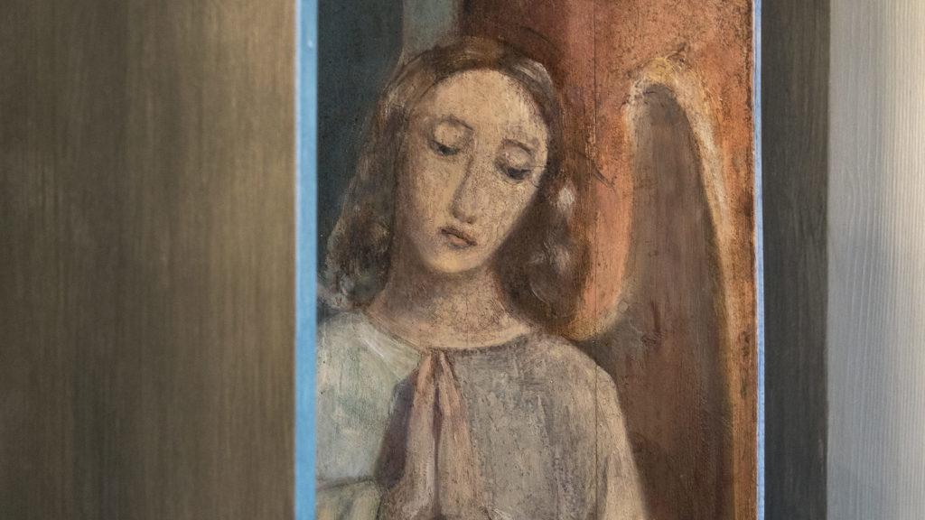Engel, 1901 auf die linke Seitenfläche der dritten Kulissen gemalt (Ausschnitt) | © Katholische Kirchgemeinde Stadt Zug