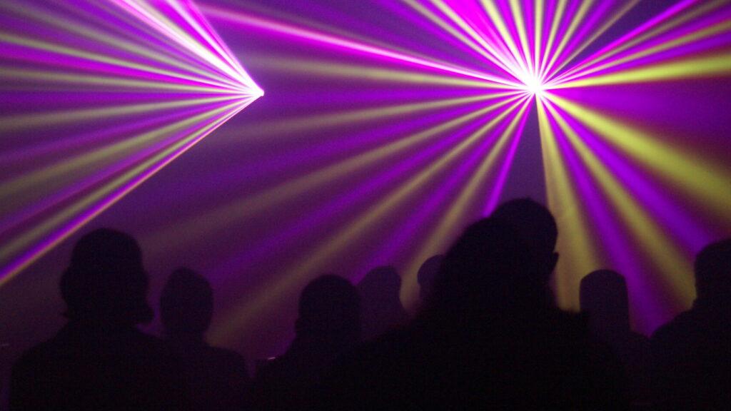 Beeindruckende Lasershow in Menzingen