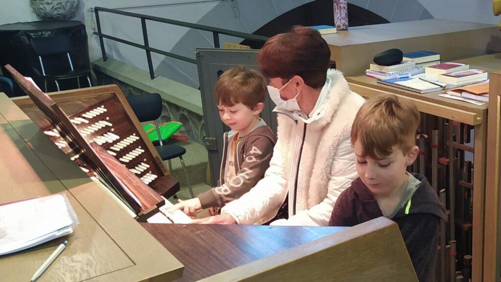 Schnuppern auf der Orgelampore St. Michael in Zug